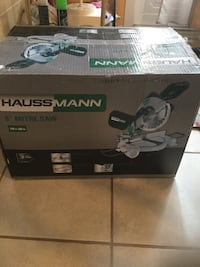 gray and black Hauss Mann miter saw box Montréal, H8Y 3J5