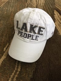 White hat , lake people , one size  Barrie