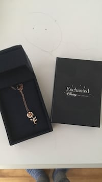 Disney rose gold necklace  Kingston