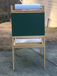 Child's easel/blackboard