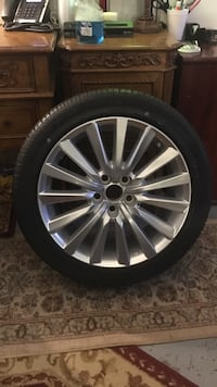 gray multi-spoke vehicle wheel Boca Raton, 33428