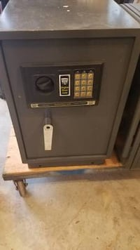 MUST SELL Bunker hill safe for documents/firearms Bristol, 02809