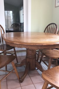 Oak Pedestal Table with 6 chairs Warrenton, 20187