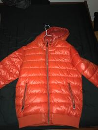 BNWT GUESS BUBBLE JACKET