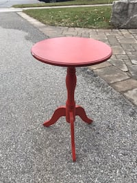 Small side table in red  516 km