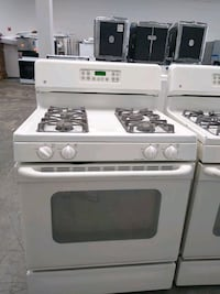 Gas stove old white GE Bowie, 20715