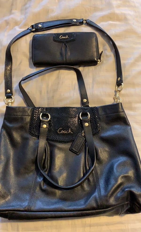 Authentic COACH leather purse and zipper wallet set 0