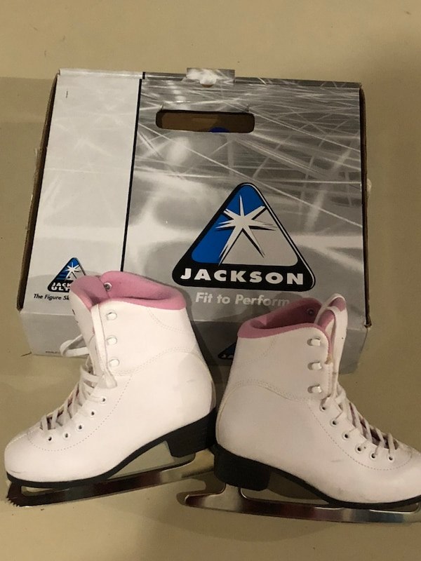 Girls ice skates - figure skates - size 3 - excellent condition