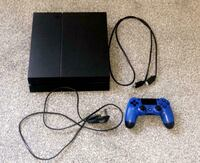PlayStation 4 w/ 3 Controllers *dm for pics Toronto