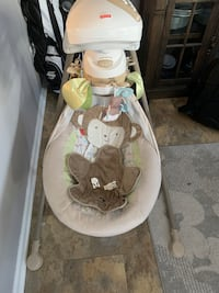Fisher Price Baby Swing Snug-a-Monkey Perry Hall, 21128