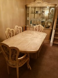 Solid Dining Table + Buffet/Hutch 2 chairs broken Mississauga, L4T 3V7