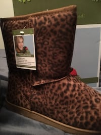 """9"""" DAWGS Boots: NEW in Box: Size 10: 4 Colors: Retails $59.99"""
