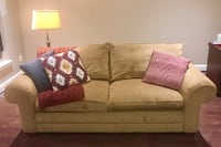 Bassett Furniture Couch 7 km