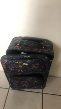Small suitcase 506 km