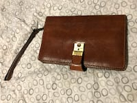 brown leather bi-fold wallet Montreal