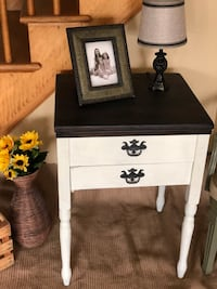 Vintage side table / sewing table with or w/out working Kenmore sewing machine  Hickory Hills, 60457