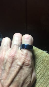 Stainless steel U.K. blue band . Size 8 Lexington, 40517