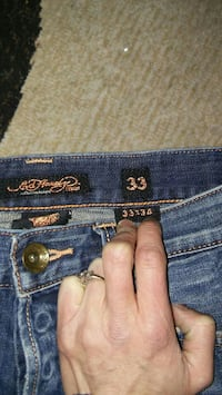 ED HARDY MENS JEANS SIZE 33x34