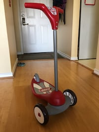 red and black Radio Flyer trike Mc Lean, 22102