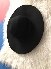 black and white fitted cap Vancouver, V5M 2B3