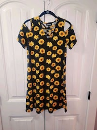 Sunflower dress size S, fits like a M Cabot, 72023