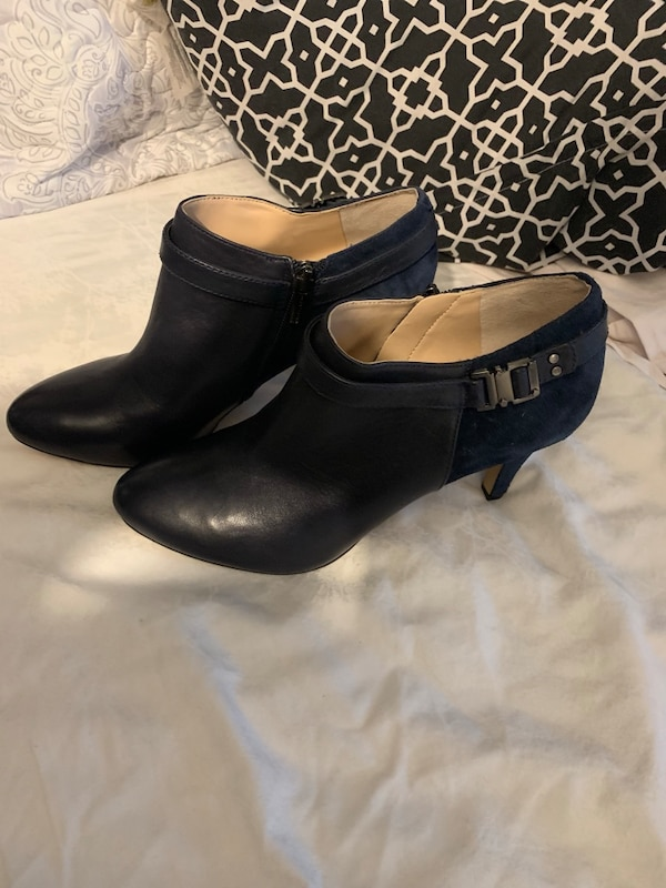 Vince Camuto Navy Blue Ankle Boots 6030cb57-ed54-4bc1-8ac4-7b7eb8d7fde4