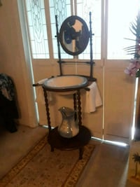 Vintage wash table and mirror  Tracy, 95304