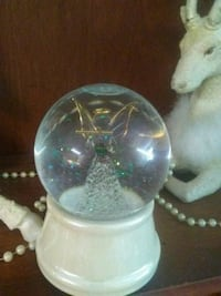 Beautiful Christmas snow globe w/ glass angel