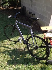 PRIME fixed gear bike. Fixie like new. Size med/large