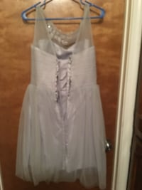 Women's gray sleeveless dress