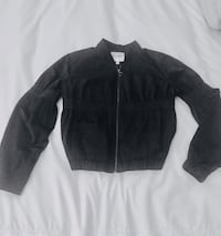 Guess women's short jacket with elastic at the waist, puffy sleeves, size small. Reg. 179$ Montréal, H1J