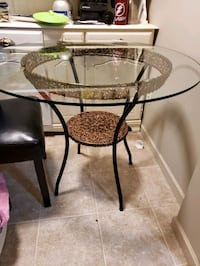 Glass dining table Surrey, V4A 9T4