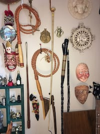 2 Antique horse crops and 4 other whips Calgary, T2Y