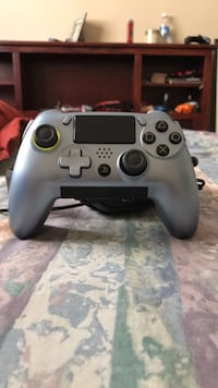 scuf vantage ps4 wired/wireless complete set with everything included Surrey, V3W 5M5