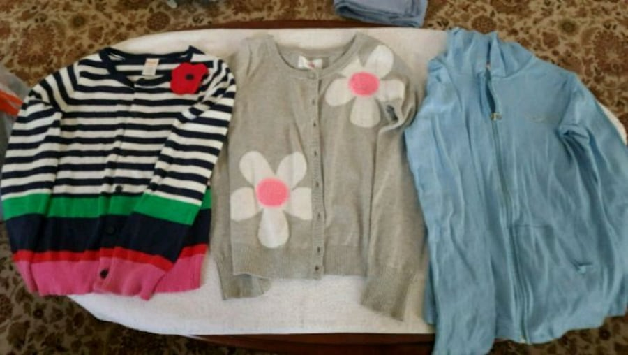Girls sweaters, size 10-12, hardly used, d80716ca-642b-4d9e-8138-461305a1e5b6