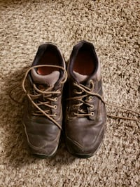 pair of brown leather shoes Cheyenne, 82009