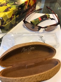 MAUI JIM SUNGLASSES & LONGCHAMP WALLET