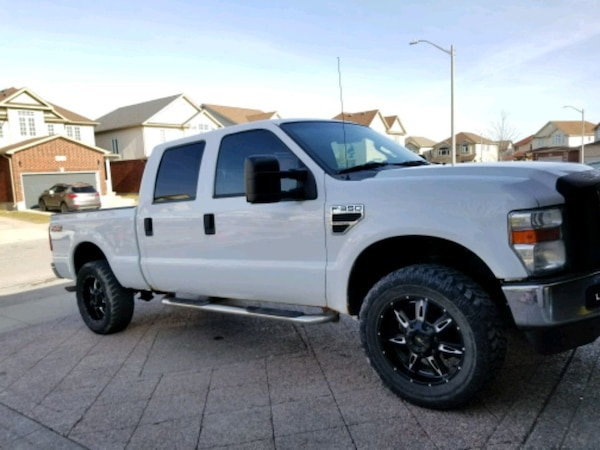 2010 Ford F350 4x4 absolutely beautiful truck GAS