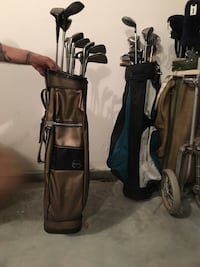 Two black and brown golf bags Bent Mountain, 24059