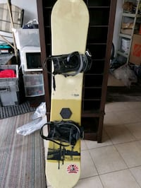 As new Snow board with boardings Markham, L3S 3Z4