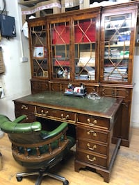 Antique style leather office set London, N16 5TQ