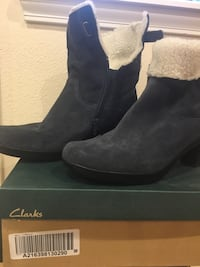 Boots, Clarks, suede, fleece lined NEVER WORN! Anchorage, 99516