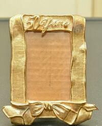 Photo frame with gold ribbon  Hyattsville, 20781