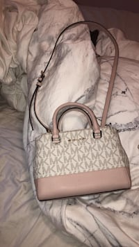 Michael Kors purse  Langley