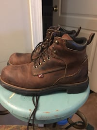 Mens Red Wing boots size 8 bought it for $245 selling it for $80!! Good condition no rips or scratch Sterling, 20164