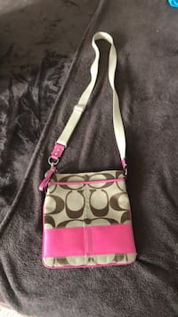 Authentic coach purse Waterloo, N2J 4G8