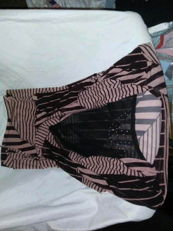 Size large  6166cabe-b303-41a2-ad08-4d42bd3911dc