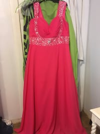 Formal Gown, hot pink. Size 16-18 Corset Back Beautiful  West Columbia, 77486