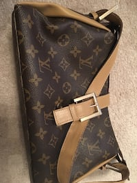 Black louis vuitton leather handbag Edmonton, T6X 1K6