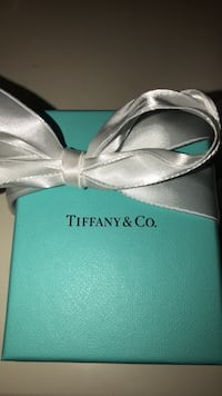 Tiffany & co heart necklace  557 km